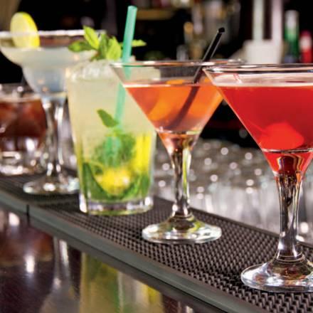 Voglia di divertimento? Ecco i migliori cocktail per le vostre serate all'aperto!