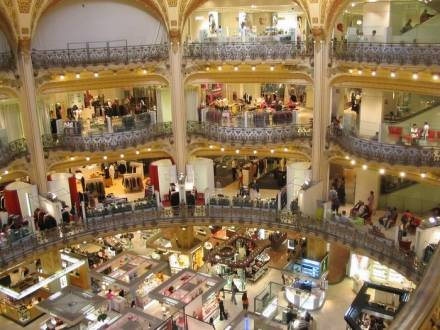 Asili nido per mariti per uno shopping in relax