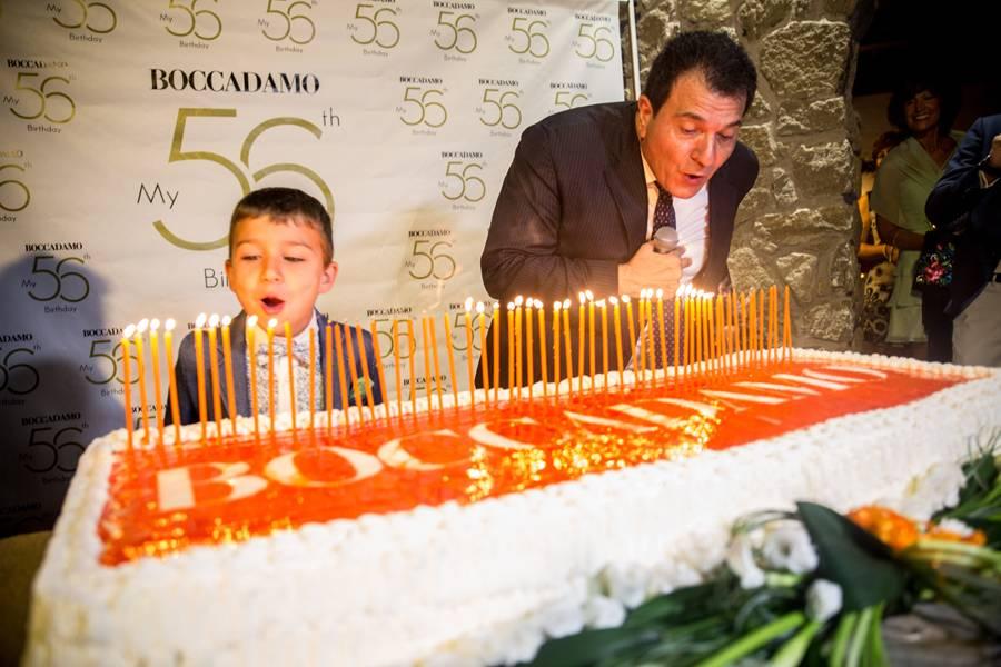 Tonino Boccadamo soffia le 56 candeline, aiutato dal nipotino Tonino