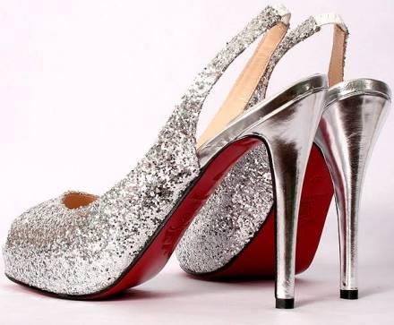 """Le scarpe a tutto """"glitter"""" di quest'inverno"""